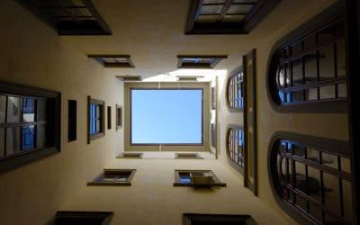 Todo lo que necesitas saber sobre la rehabilitación de patios de luces